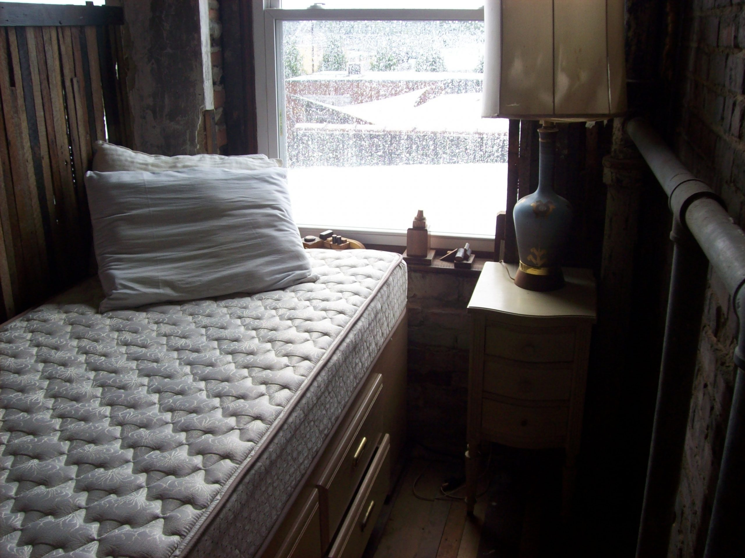 mattress-and-pillows-in-the-bedroom